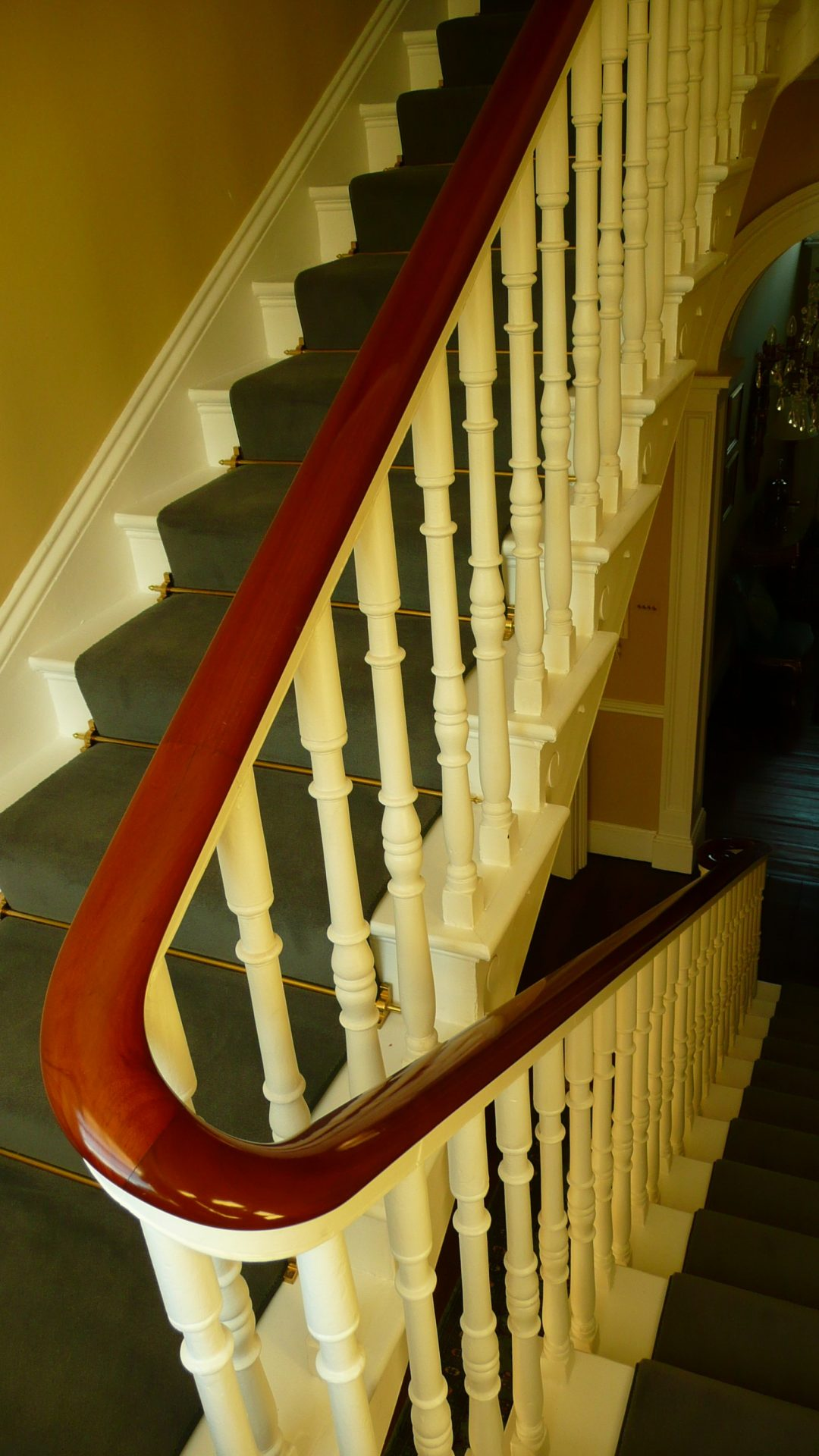 victorian-staircase-renovated-dubli