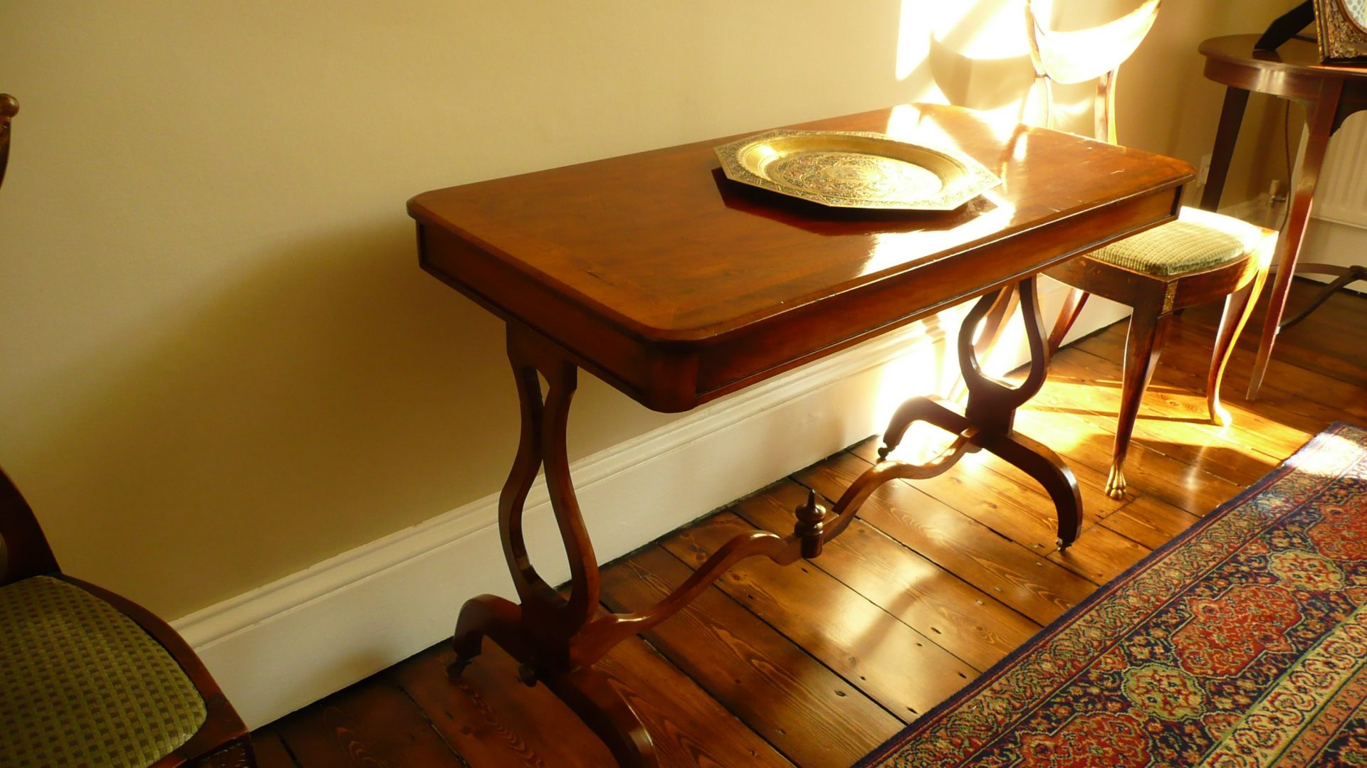 wooden-table-renovated